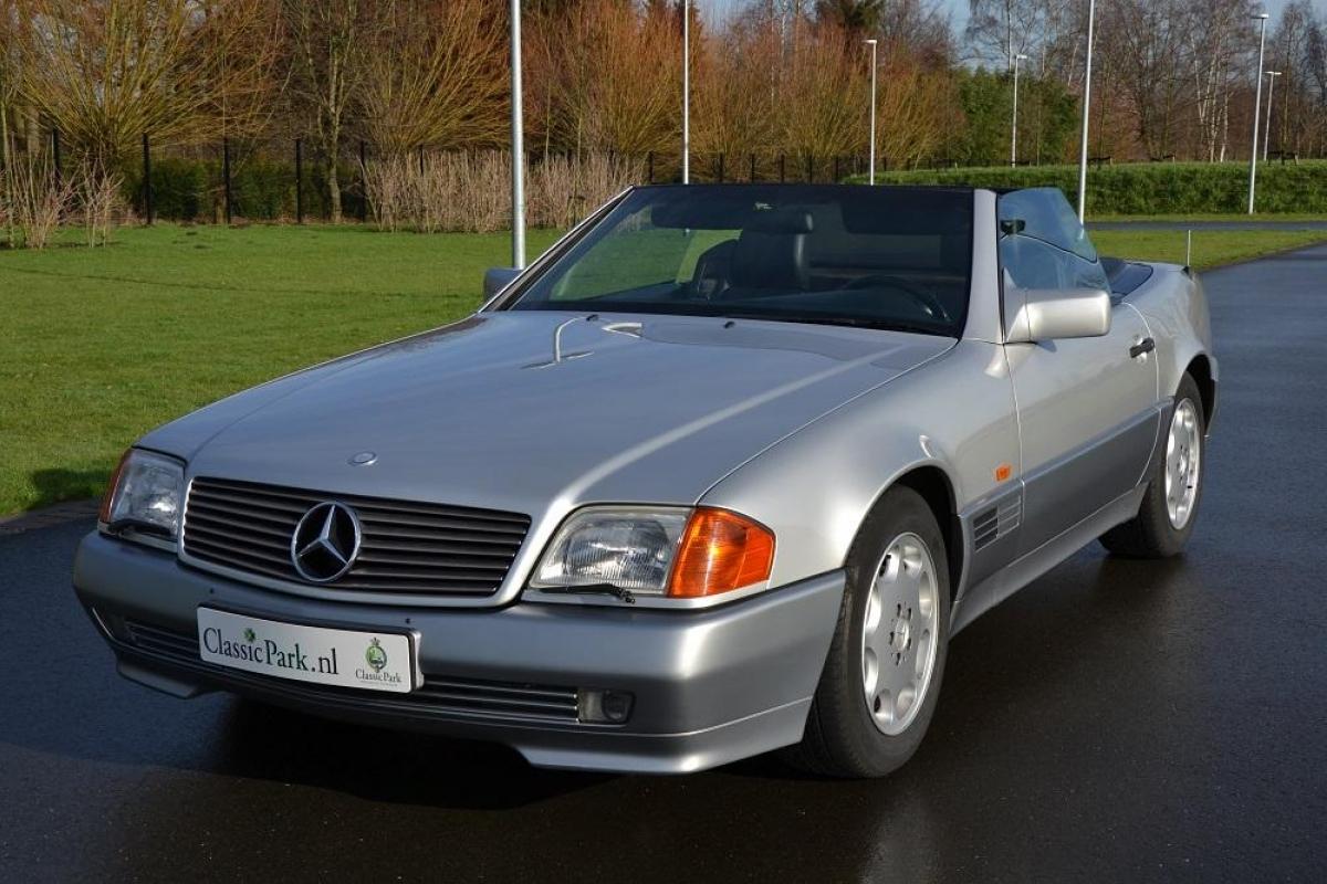 Classic park cars mercedes benz 500 sl for Mercedes benz field