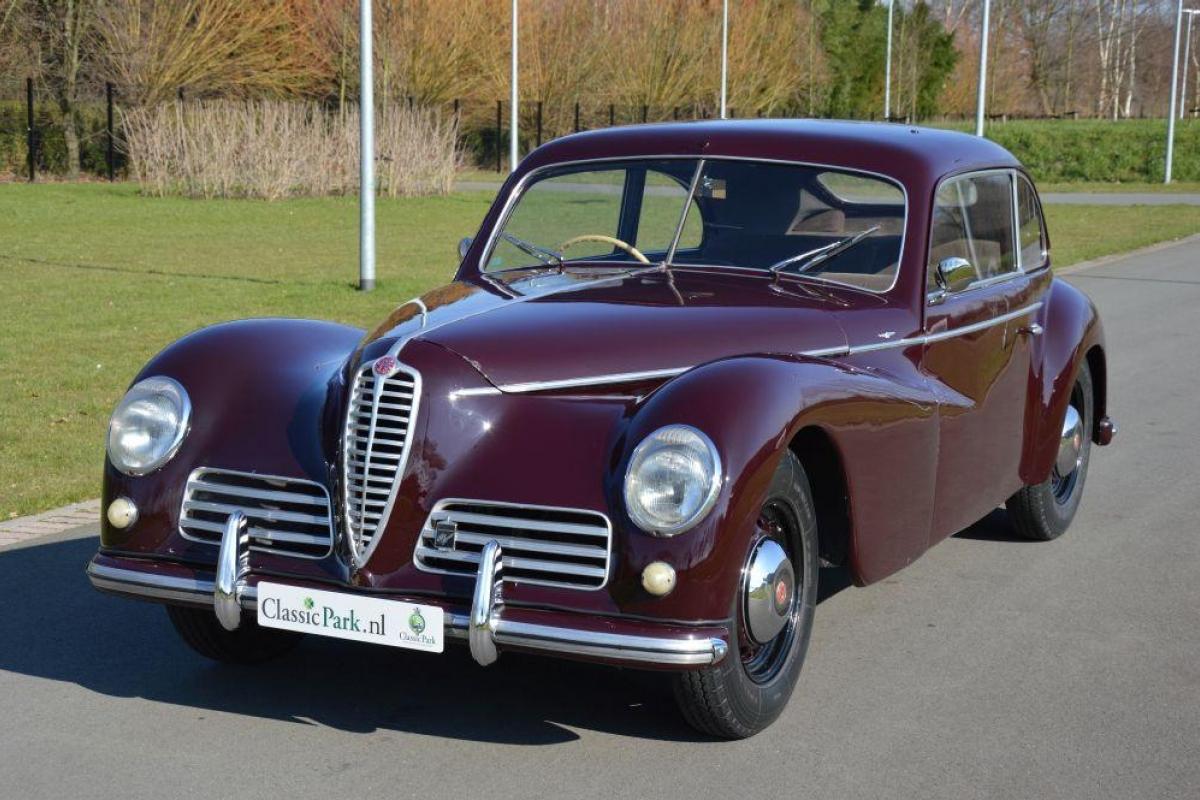 classic park cars alfa romeo 6c 2500 sport 39 freccia d 39 oro 39. Black Bedroom Furniture Sets. Home Design Ideas