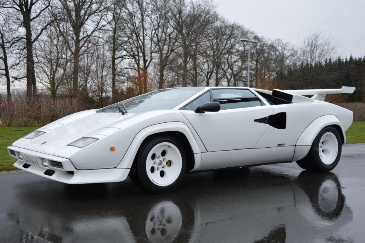 classic park cars lamborghini countach 5000 s. Black Bedroom Furniture Sets. Home Design Ideas