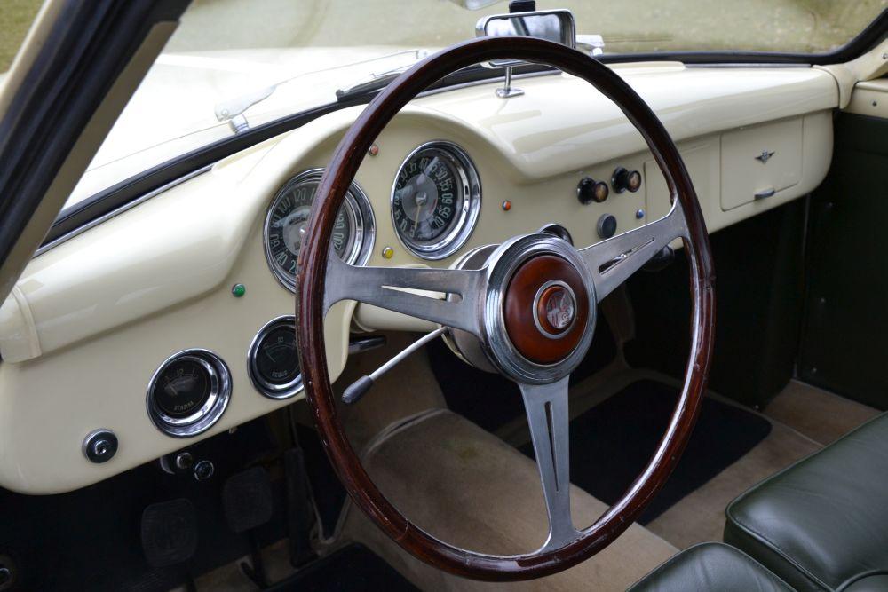 Classic Park Cars | Alfa Romeo 1900 CSS Touring