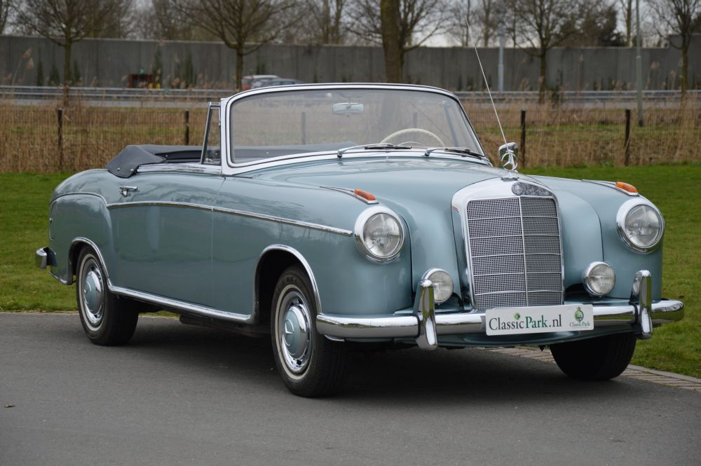 Classic park cars mercedes benz 220 s cabriolet for Mercedes benz 220 s