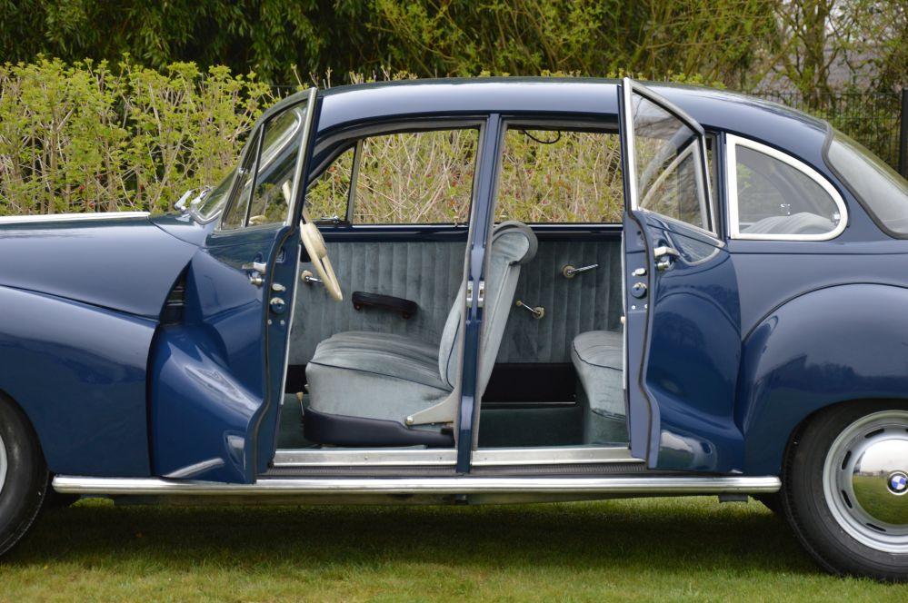 Classic Park Cars | BMW 501/8